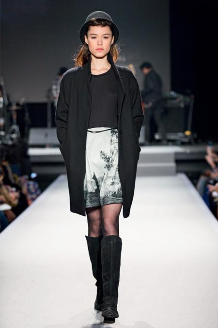 Agnes b fashion show 72
